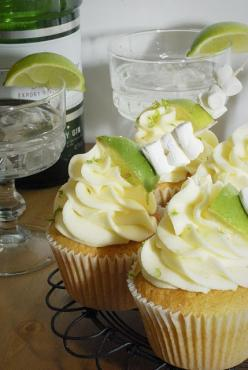 Gin and Tonic Cupcakes / 10 Cupcakes That Will Get You Drunk (via BuzzFeed Community). My kinda cupcakes!: Gin And Tonic, Tonic Cupcakes, Sweet, Gin Tonic, Alcoholic Cupcake, Boozy Cupcakes, Alcohol Cupcake, Dessert