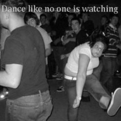 I am laughing so hard right now! Haha, the people's faces in the back ground. :): Giggle, Guys Face, Funny Stuff, Humor, Funnies, Things, Dance