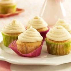Irish Cream Cupcakes Recipe from Taste of Home: Cupcake Recipes, Cream Cupcakes I Ll, Food, Cream Cheese, Cupcakes Recipe, Irish Cream Cupcakes, Cream Cupcakes Tasteofhome Com, Dessert