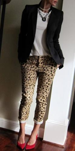 Love this! Leopard print skinnies, rolled up, with a white basic top, a black blazer, and beautiful pointy red heels.: Leopard Print, Style, Red Shoes, Outfit, Leopard Pants, Red Pump, Animal Prints