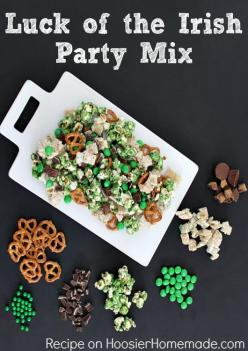 Luck of the Irish Party Mix for St. Patrick's Day :: Recipe on HoosierHomemade.com: Stpatricks, Recipe, Irish Party, Party Mix, St. Patrick'S Day, St Patty, Free Printable, St Patrick'S Day