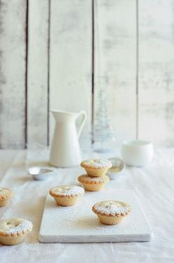 Mince Pies. Never had one before....but they LOOK yummy. :-): Sweet, Mince Pies, Xmas Pies, Food Styling, Food Photography, Dessert