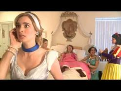 Okay. This is actually pretty hilarious.: Disney Princess Funny, Pretty Hilarious, Disney Princess Videos, Disney Funny Princess, Disney Princesses Funny, Funny Princesses, So Funny