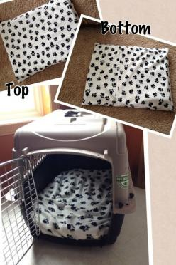OMG, I love this! How to make an easy DIY dog crate pillow with a removable (therefore washable) cover. Pin now, attempt later!: Diy Dog Bed, Doggie, Diy Puppy Bed, Puppy Crate, Furbaby, Animal