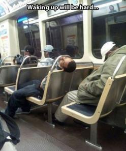 seriously...who sleeps this hard in public?  That would not be prudent round these parts.: Funny Pics, Funny Pictures, Funnypictures, Funny Stuff, Funnies, Humor, Hard