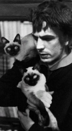 Syd Barrett with twin Siamese cats: Cat People, Music, Pinkfloyd, Siamese Cats, Pink Floyd, South Barrett, Famous Cat
