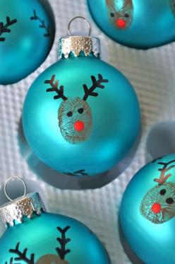 Tons of last minute Christmas gift ideas, from DIY projects to things you can grab at local stores.: Christmas Crafts, Gift, Thumbprint Ornament, Christmas Ornament, Kid
