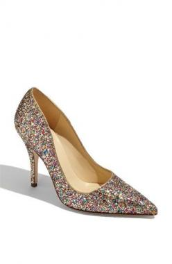 tried these sparkley kate spade shoes on in Nordstrom this weekend....if only I had $340 to spend on shoes!! they are adorable on!: Shoes, Fashion, Girl, Style, Pumps, New York, Kate Spade, Katespade, Glitter Pump