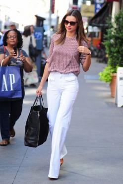 What to wear to Meet The Parents? @EmilyandMeritt say #1: Cue The Color #2: Try Conversation Pieces #3: Wear Sensibly Superb Shoes: Miranda Kerr, Mirandakerr, Fashion, Street Style, Outfit, White Pants, Street Styles, Kerr Street