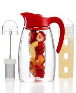Would you like lemon with that? Thanks to this Flavor It pitcher, you can infuse everything from water to tea with your favorite fruits, mints, lavender and more. With tea & flavor infusers, this pitcher simplifies the process for making iced coffee,