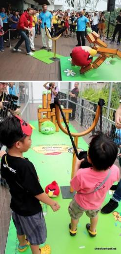 You can play ANGRY BIRDS in real life!  :)  THAT'S SO COOL! :o): Angry Birds What, Life Size Game, Angry Bird Crafts, Life Size Board Game, Real Life Board Game, Birds Launcher, Birds Game, Sized Angry