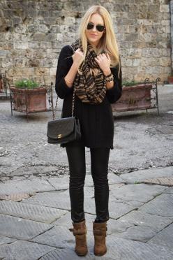 All Black and Animal Print.: All Black, Black Jeggings, Street Style, Animal Prints, Fall Outfit, Scarfs, Black Sweaters, Fall Winter