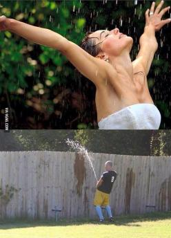 Awe this is a bitch! I hate when this happens! Haahaaaa: Showers, Funny Pics, Funny Pictures, Funny Stuff, Funnies, Humor, Photo, Rain