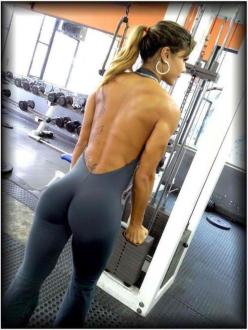 Back and Glutes - Fitness Chicks - www.lifestyledynasty.com - check us out for 5 star fitness breaks, photoshoots, workshops and more!: Sexy, Hot, Gym, Fitness Motivation, Yoga Pants, Fitness Girls, Women, Workout