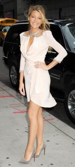 Blake Lively embellished wrap dress with sparkly Louboutin Pigalle pumps Check out Dieting Digest: Wrap Dresses, Classy Outfit, Fashion, Style, Blake Lively