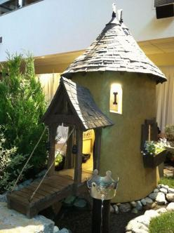 Cool dog house's: Animals, Dogs, House Ideas, Pets, Castles, Cool Dog Houses, Animal House, Pet House
