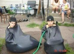 Ghetto swimming pool. Lets do it. What on earth!: Ghetto Pool, Swimming Pools, Ghetto Swimming, Stuff, Funny, Humor, Funnies