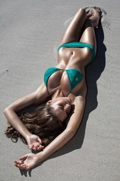 Great bikini color for when I start getting my tan this summer❤ bathing beauty (bikini beach) summer: Girls, Sexy, Color, Fitness, Bikinis, Hot, Beach, Beauty