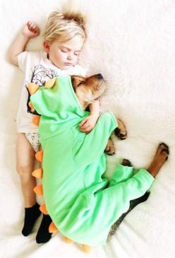 I love what this mother has done, documenting her son and dog's daily naps together. It's as though they were litter mates!: Can T, Baby Boy Costume, Cant, Baby Boy Things, Beautiful, Puppy Naps, Baby Animals, Toddler, Baby Dinosaur Costume