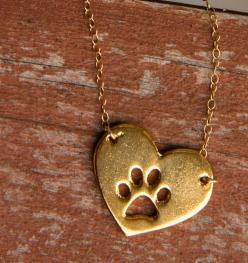 If someone with paws has left a mark on your heart, this is for you! I'm so getting one! http://theilovedogssite.com/product/gold-heart-paw/?src=PIN_GoldHeartPaw_3-18-14: Gold Heart, Sister Necklace, Heart Paw