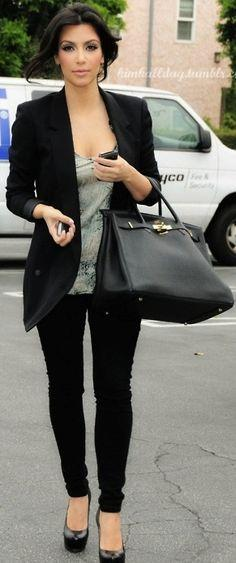 Kim Kardashian. Black skinny jeans or jeggings with a tailored long blazer. Perfect for a laid back business day at work. 228 40