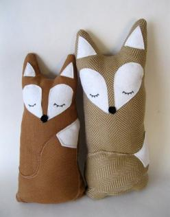 My mom's maiden name is Fox, and my grandparents have their entire house decorated with foxes, so I have a special place in my heart for them.  :-): Stuffed Animals, Craft, Idea, Baby, Foxes