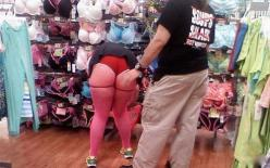 Red Short Shorts Pink Stockings and Green Shoes at Walmart - Funny Pictures at Walmart: Fun Walmartians Ghetto Trash, Crazy People, At Walmart, Wal Mart, Funnies, Walmart People, Things