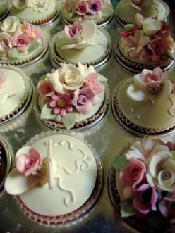 Shabby Chic Cupcakes: Cup Cakes, Beautiful Cupcakes, Idea, Sweet, Wedding Cupcakes, Wedding Cakes, Beautiful Cakes, Mini Cakes, Cake Decorating