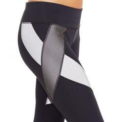 Under Armour's Black Reflective Tight: Love these pants for night runs--wish I knew if they're still made and where to buy them.: Fashion Style, Armours Black, Armour Legging, Style Fitgirl