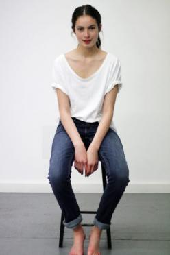 white tee and jeans. all day.: Simple Outfit, T Shirt, Style, White Tee, Clothes, White Shirts, Casual, Jeans
