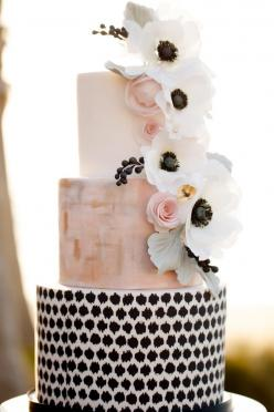 #anemone wedding cake | Photography: Ashlee Raubach Photography - www.ashleeraubach.com: Pretty Cake, Wedding Ideas, Weddings, Black White, Beautiful Cake, Wedding Cakes