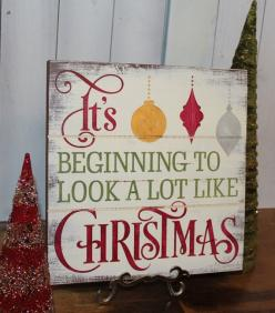 CHRISTMAS Sign/Subway Style/It's Begining to look a lot like CHRISTMAS/Typography/Christmas Decoration/Country Christmas on Etsy, $27.95: Xmas Sign, Pallet Christmas Decoration, Diy Christmas Sign, Christmas Wooden Sign, Christmas Wood Sign, Wood Chri