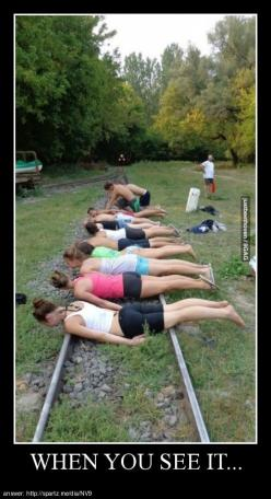 Dumb ways to die, so many dumb ways to die. Or in this case, someone's plain stupid idea.: Funny Pics, Funny Pictures, Humor Funnypictures, When You See It, Funnypictures Funnypics, Funny Stuff