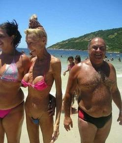 Everything Wrong About this Picture....: Breast Implants, Funny Stuff, Funnies, Humor, Things, Wtf, Plastic Surgery, Boob Job