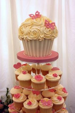 Giant Cupcake Tutorial: Baby Shower Cupcake Tower, Wedding Ideas, Giant Cupcake Decorating Ideas, Cupcake Ideas2, Cupcake Tower Wedding, Giant Cupcake Ideas, Giant Cupcakes Ideas, Cakes Cupcakes Giant, Cupcake Towers