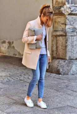 How to Chic: FASHION BLOGGER STYLE - MAKE LIFE EASIER: Pink Coats, Inspiration, Street Style, Jeans, Casual Outfits, White Sneakers, Fall Winter, Life Easier