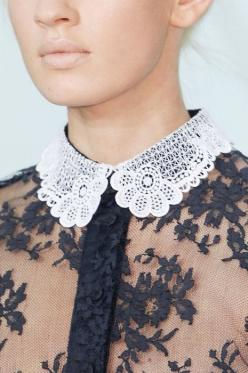 #lace | More lace here: http://mylusciouslife.com/pictures-of-lace/: Fashion Details, Style, Clothes, Peter Pan Collars, Lace Collar, Black Laces, White Lace