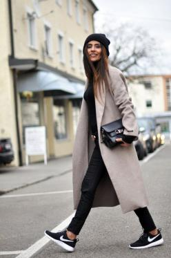 layering black wear to work great coat fall sneakers chic: Fashion, Street Style, Outfit, Styles, Nike Shoes, Nikes