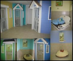 Love this idea for a doggie babysitting.....ya know, in case I open up my own kennel lol: Daycare Idea, Boarding Kennel, Kennel Idea, Foster Dog, Kennel Door, Doggie Kennel, Animal Rooms, Dog Rooms Ideas