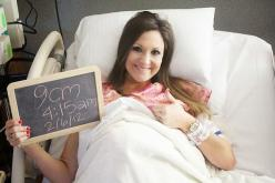 Packing Your Hospital Bag by Mallory from Charming in Charlotte: Baby Hospital, Delivery Photo, Picture Idea, Hospital Pics, Hospital Photo, Hospital Pictures, Chalkboard, Photo Idea, Hospital Bag