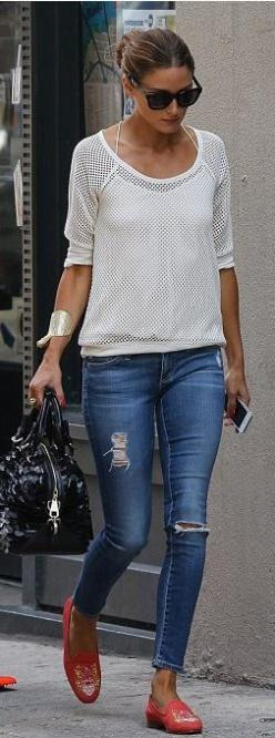 she always looks amazing for events, but she really nails the casual look too. love that pop of coral: Oliviapalermo, Fashion, Skinny Jeans, Inspiration, Street Style, Outfit, Street Styles, Casual Looks