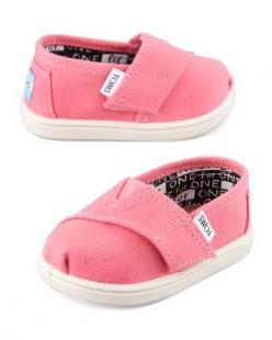 TOMS for tots. Oh my heart!: Canvas Slip On, Baby Tom, Classic Canvas, Tiny Toms, Baby Girl, Pink, Neiman Marcus, Toms Classic, Canvases