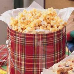 Vanilla popcorn. Substitute the corn syrup with agave nectar for a healthier version. And, you can use other flavors, like almond extract.: Yummy Popcorn, Sweet, Recipes Popcorn, Popcorn Balls, Pop Corn, 50 Recipes, Free Popcorn, Vanilla Popcorn Recipe, B