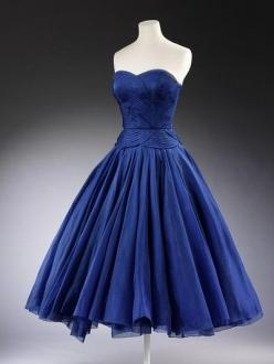 1950's.  Gorgeous color, gorgeous details, gorgeous shape.  Just gorgeous.: Fashion, Style, Blue, Dresses, Vintage Dress, 1950 S, Jean Desse
