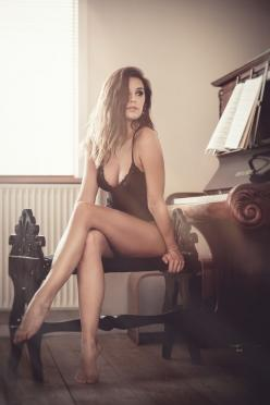 """""""I waited for my student. This week's piano lesson was all worked out. 'Playing Despite Distractions' I called it."""": Sexy Legs, Lingerie, Post, Sexy Women, Boudoir, Beautiful Women, Sexy Girls, Beauty, Photo"""