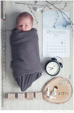 A great way to photograph a newborn with the details of his birth!: Announcement Idea, Babies, Newborn Photography, Photo Ideas, Baby Announcements, Birth Announcements, Baby Photos, Kid