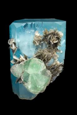 Aquamarine (water of the sea), green fluorite, and silvery muscovite. Nagar Mine, Pakistan. 10.7 x 15 cm. Brice and Christophe Gobin specimen. Photo by Jeff Scovil.: Silvery Muscovite, Minerals Crystals Gems, Crystals Minerals Gems Fossils, Gems Crystals