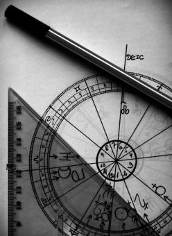 Astrology: One of my many favorite subjects that I enjoy learning about.: Charts, Astrologías De, Astrology Astrology, Buenas Astrologías, Astronomy Astrology Cosmology, Asztrológia Astrology, Astrological Chart