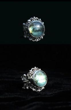 Beautiful Sterling silver ring with Labradorite stone.: Beautiful Sterling, Labradorite Jewelry Rings, Rings Jewelry, Silver Rings With Stones, Labradorite Ring Silver, Labradorite Rings, Rings Silver, Sterling Silver Rings