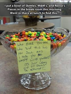 Funny Pictures Of The Day – 74 Pics: Aprilfools, Giggle, Funny Prank, Funny Pictures, Pranks, Funny Stuff, April Fools
